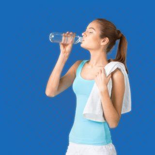Señales que indican  que no estás bebiendo  suficiente agua
